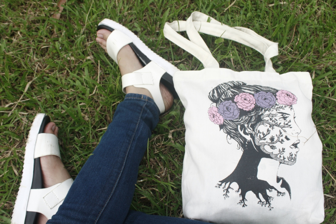 TOTES FALLING IN LOVE WITH TOTE BAGS!