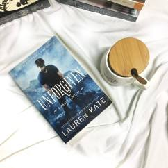 I bought this for Lauren's Kate book signing last year. I've read her Fallen series like 5 years back but I don't own the book and it was already sold out then due to demand so I bought this instead. And I love Cam! You can also see my whole story about the event here | National Book Store PHP539.00