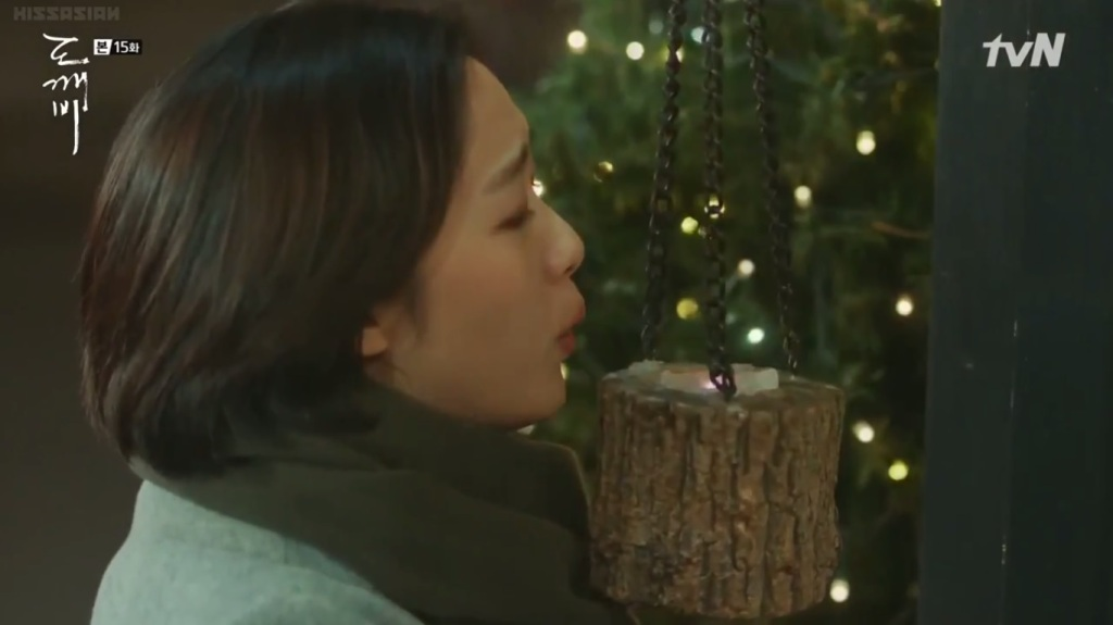 Eun Tak crying