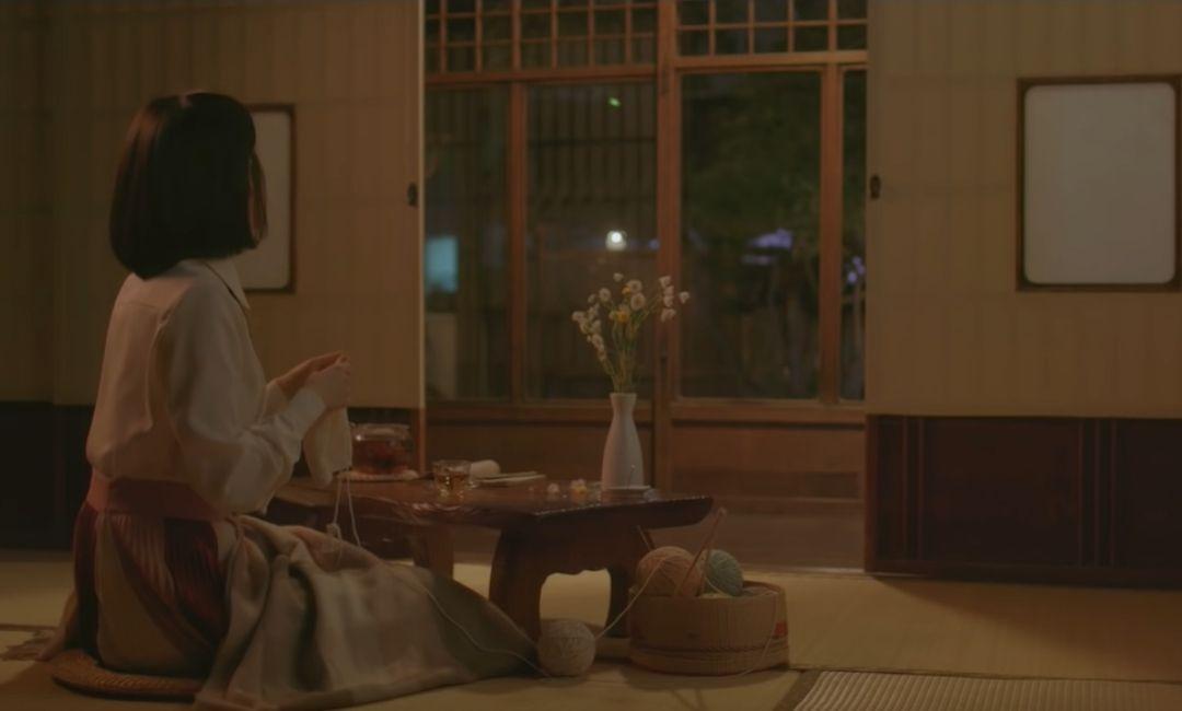 아이유 Through the Night MV
